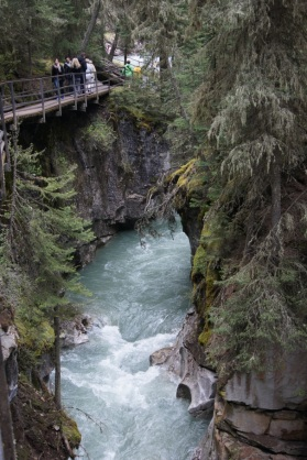 We hiked along a catwalk on one side of the canyon.on the way to the falls