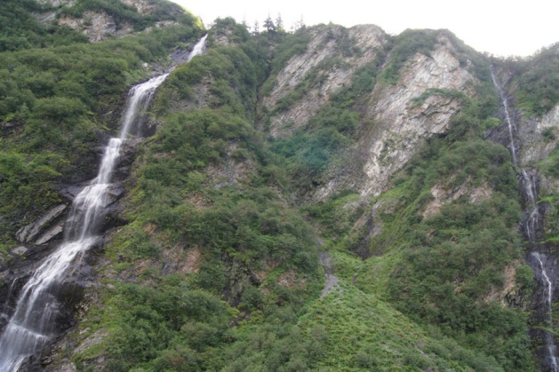 Bridal Veil Falls is next to another smaller waterfall