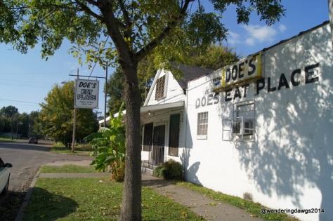 Doe's Eat Place, Greenville, MS