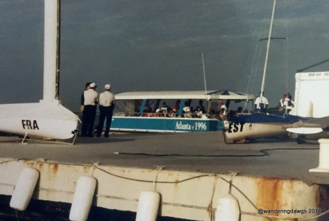 Volunteers arriving by shuttle at the day marina