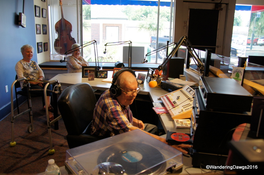 Sonny Payne broadcasting the King Biscuit Time Radio Show