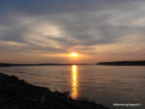Sunrise over the Mississippi River at Tom Sawyer RV Park