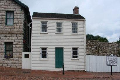 Mark Twain's boyhood home and Tom Sawyer's Fence