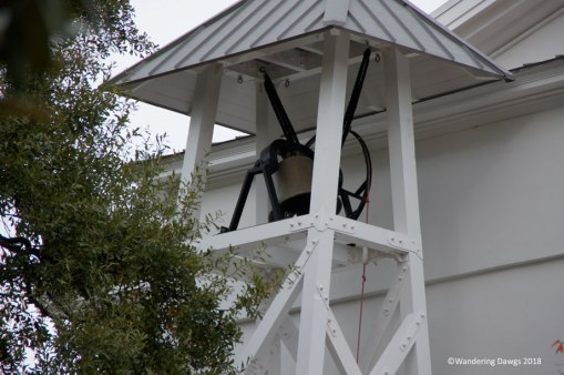 After a Georgia Bulldogs football win, the chapel bell rings all night