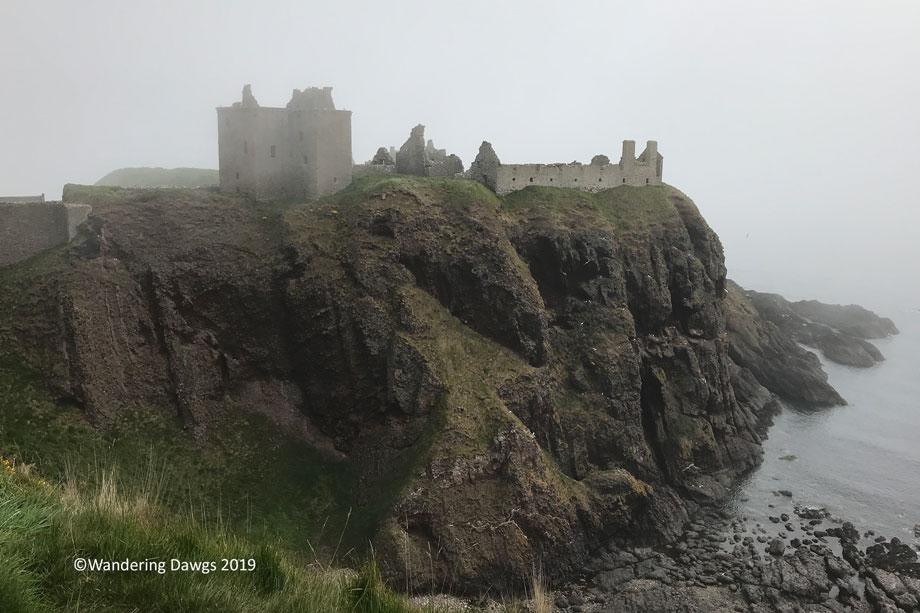 Foggy-day-at-Dunnottar-Castle